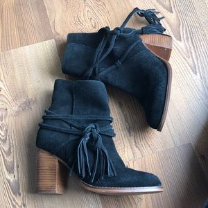 Aldo suede black wrap ankle booties